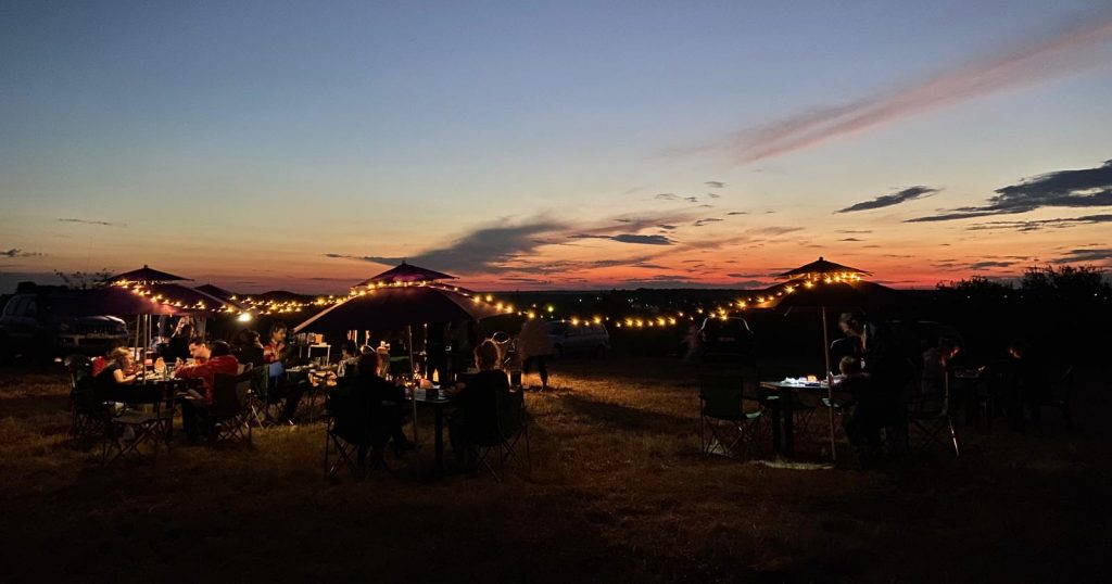 Seară de film în aer liber, grătar și dormit la cort - 11 septembrie - aproape de București